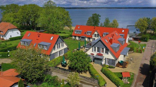0040-01-Fleesensee-Resort-und-Spa-Sommeransicht-1
