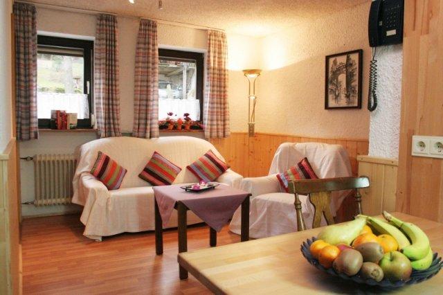 0044-02-Hotel-Baerenhof-Zimmer-1