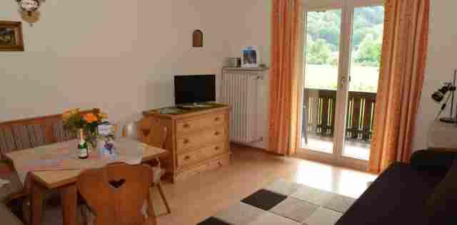0045-07 Haus Monika FeWo 3 Wohnraum