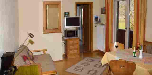 0045-09 Haus Monika FeWo 4 Wohnraum