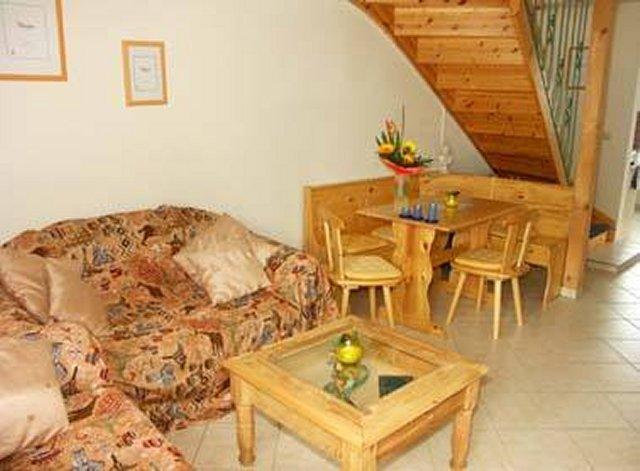 0058-05 Ferienhaus Schulz Wohnbereich mit Essecke