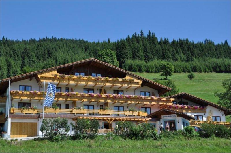 0063-01 Landhaus Wildschuetz Sommer