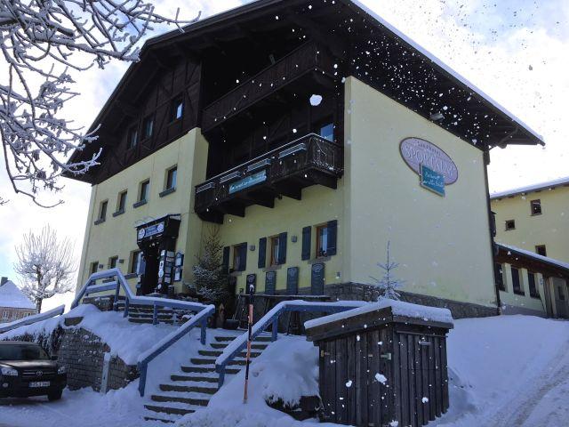 0077-02 Hotel Sportalm Aussenansicht Winter
