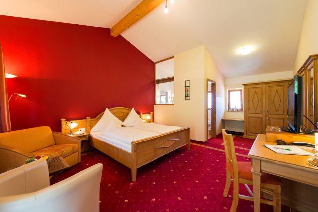 0077-15 Hotel Sportalm Zimmer 21 b