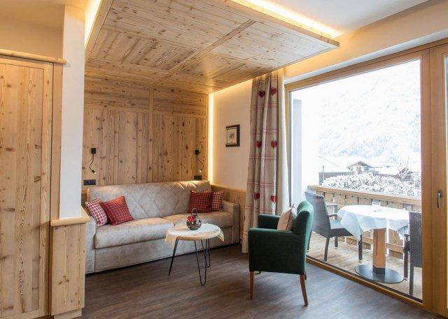 0089-10 Hotel Maggdalena Suite Aloisa