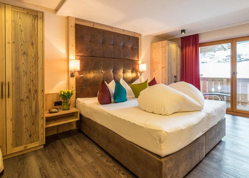 0089-12 Hotel Magdalena Suite Valentina