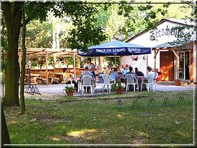 0105-04-Feriendorf Kimbucht-Biergarten-Seeschenke