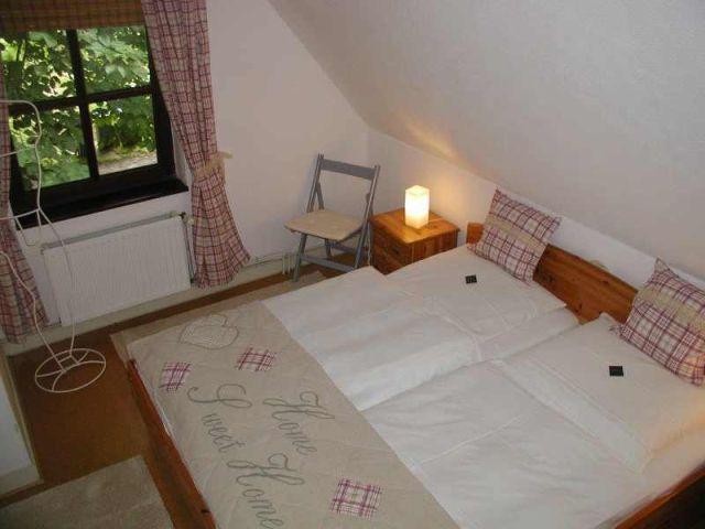 0111-16 Fewo Rothensande OG Schlafzimmer 2