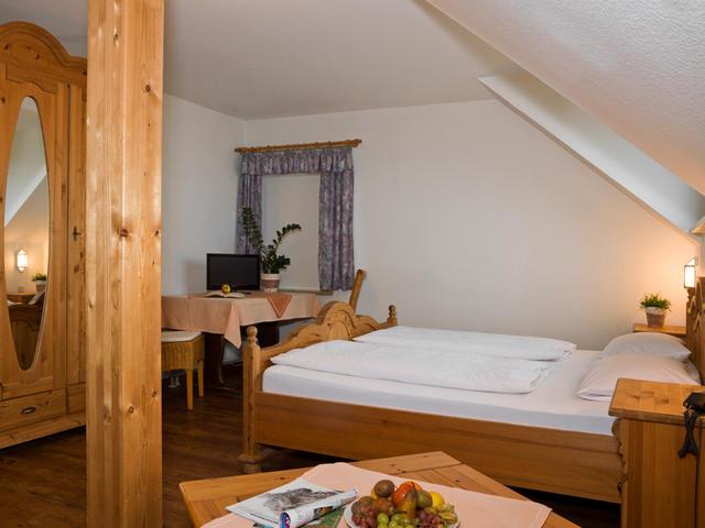 0117-08 Hotel Bergfried Doppelzimmer