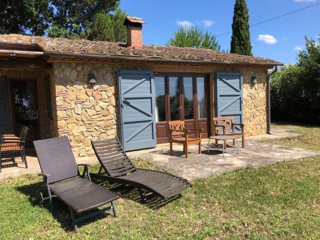 0133-04-Poderino-Poggetto-alla-Fonte-Gartenliegen