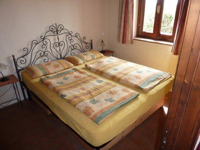 0133-09-Poderino-Poggetto-alla-Fonte-Schlafzimmer 1