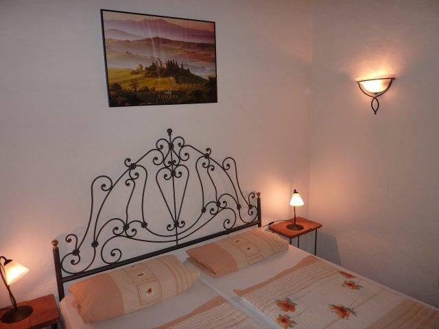 0134-12-Guardistallo-Schlafzimmer