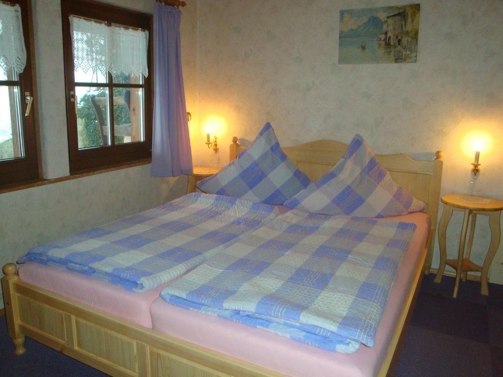 0169-07 Warratz Schlafzimmer 01
