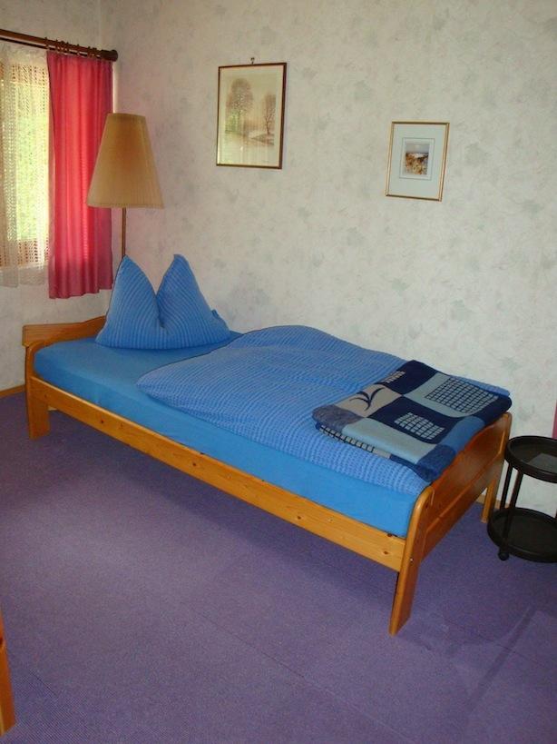 0169-08 Warratz Schlafzimmer 2