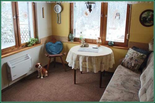 0182-04 Waldferienhäuser Haus 2 Wohnzimmer