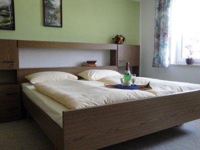 0186-06 Ferienwohnung Kopp Schlafzimmer 1