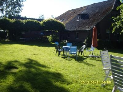 0210-01 Ferienwohnungen Kraft Garten und Haus NEU