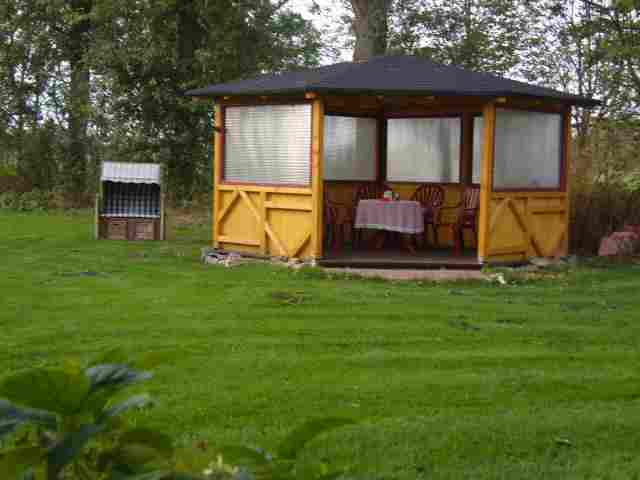 0210-04 Fewos Kraft Pavillon