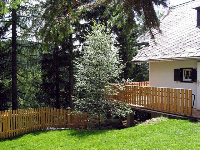 0212-10 Ferienhaus Haus auf der Leitn Teilansicht Garten