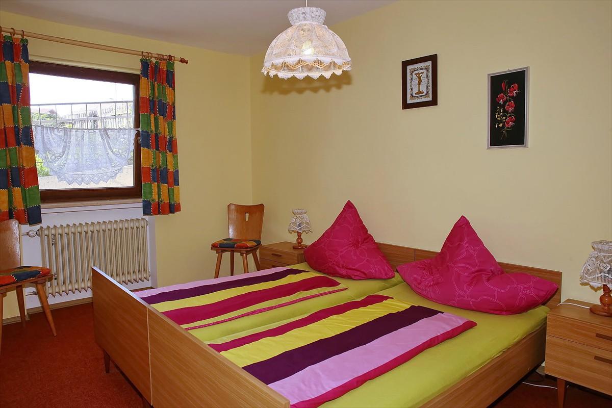 0240-11 Landhaus Anni Schlafzimmer 2