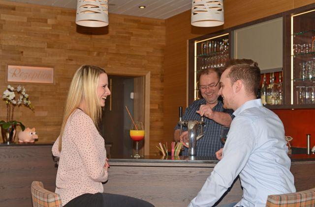 0246-07 Hotel Kleine Blume Bar