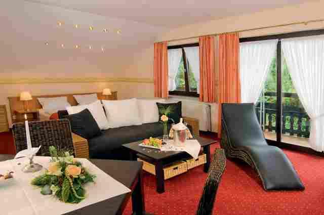 0246-08 Hotel Kleine Blume Landhauszimmer