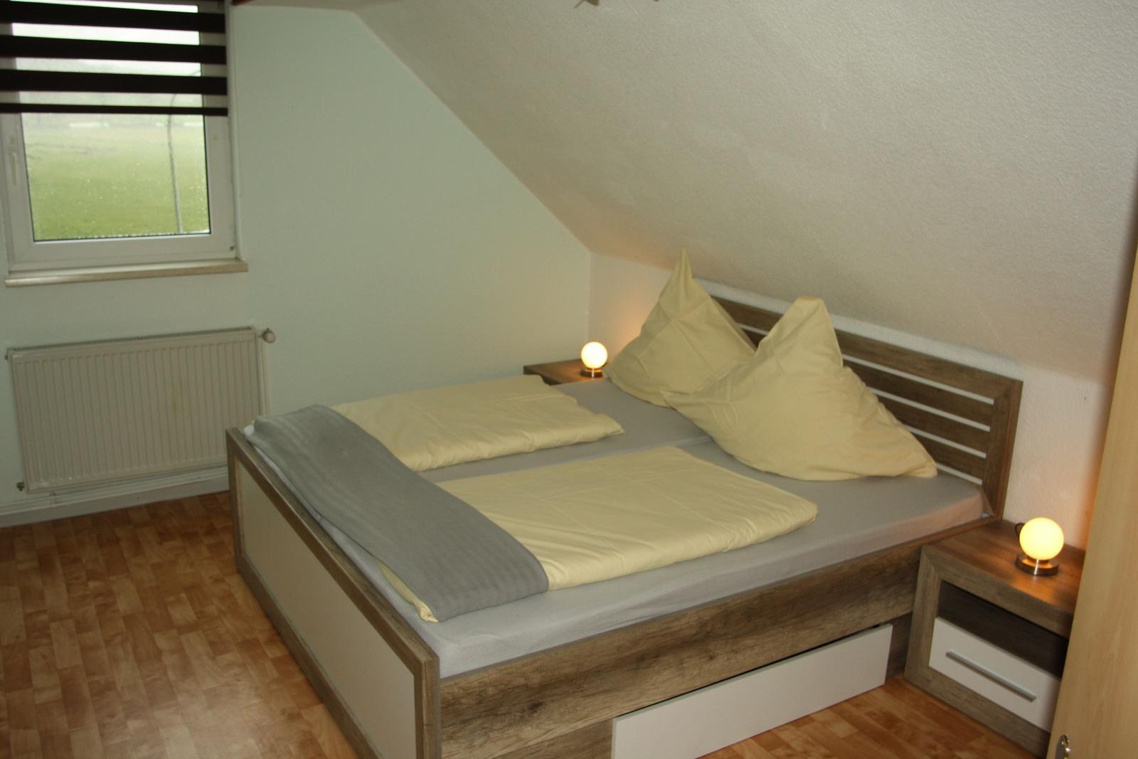0247-21 Ferienhaeuser Rieger Ferienwohnung Schlafzimmer 2