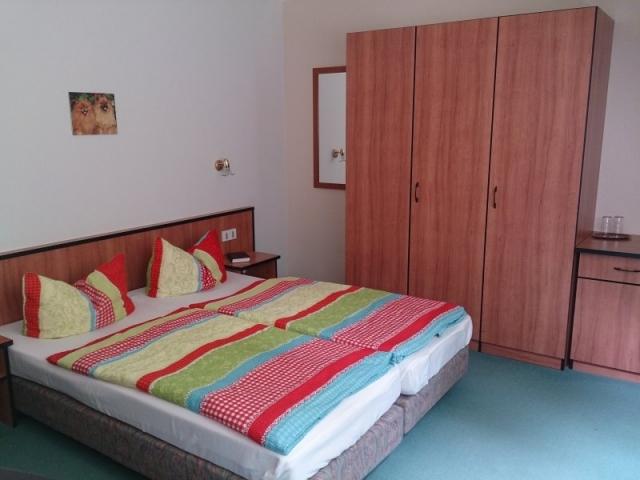 0257-09-Pension-Schwalbennest-Doppelzimmer