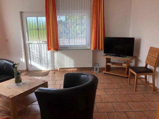 0269-06-Ferienwohnungen-Haas-Fewo-0-Wohnzimmer