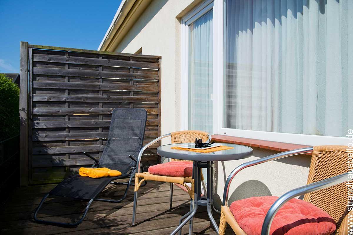 0281-08-Bello-Cane-Amica-Balkon