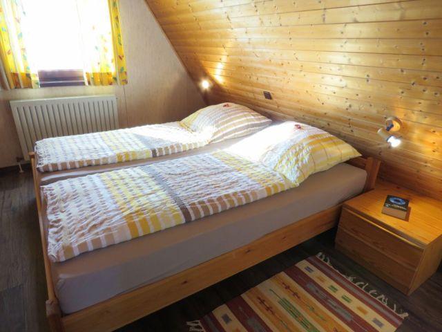 0301-12 Lederstrumpf Schlafen