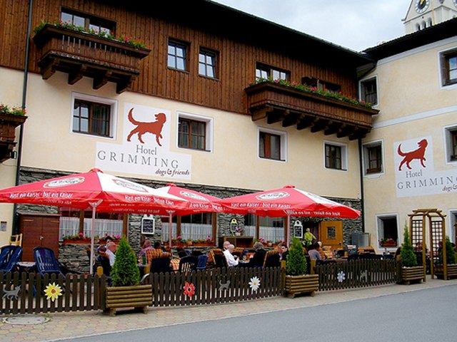 0306-01 Hotel Grimming Biergarten