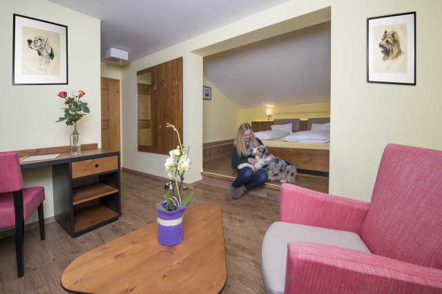 0306-06 Hotel Grimmimg Zimmerfoto