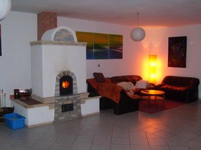 0310-08 Haas Wohnzimmer mit Kamin