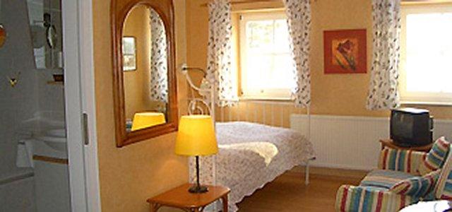 0316-13 Amys Wohlfuehlvill Zimmer Loewenzahn