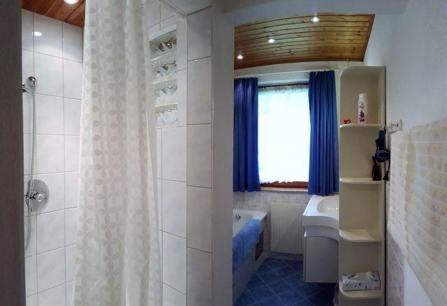 0326-13 Ferienhaus Siebenschlaefer Bad1
