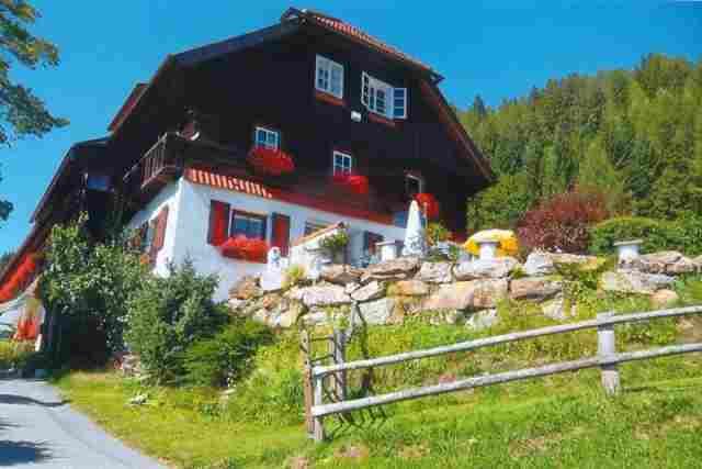 0354-01 Haus Mauken Aussenansicht