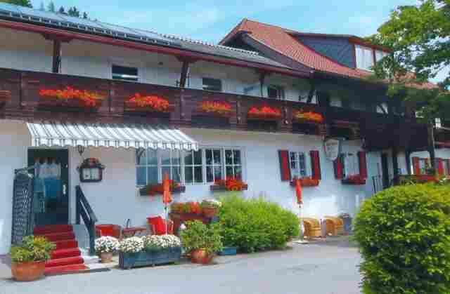 0354-02 Haus Mauken Hofansicht