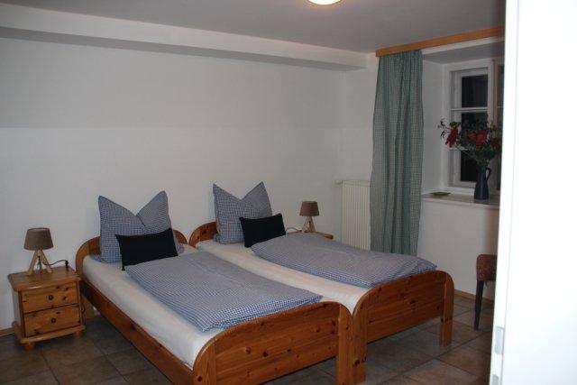 0354-10 Haus Mauken FeWo 1 Schlafraum