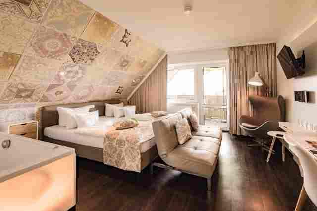 0369-08-Hotel-Retro-Design-Hotel-Zimmer-2