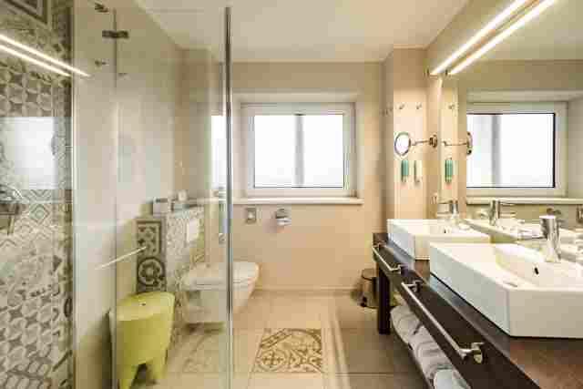 0369-10-Hotel-Retro-Design-Hotel-Bad
