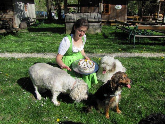 0371-09-Steinschalerhof-Hundegeburtstag