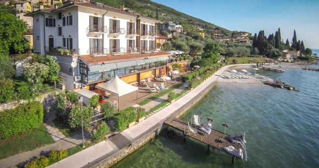 0372-02-Hotel-La-Caletta-Bolognese-Hotel-und-Strand-Bild-2