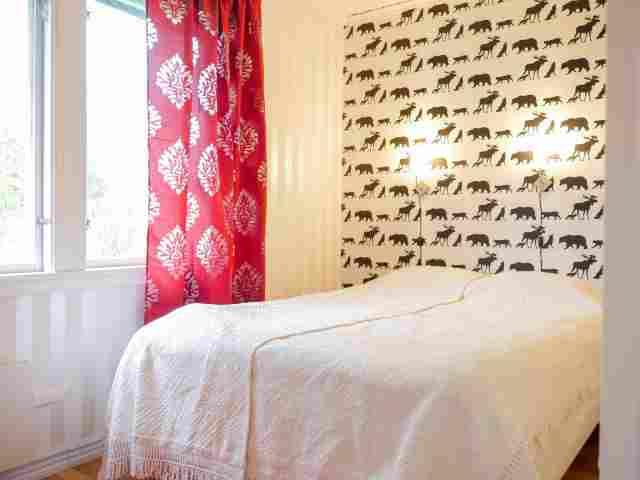 0395-05-Blaues-Sommerhaus-Schlafzimmer