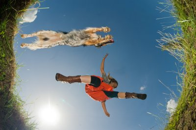 W 004-02 Hundewandern Katalogtitelbild