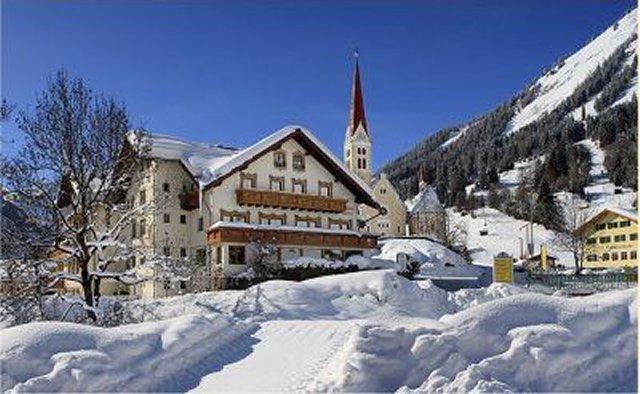 0002-02-Gasthof-Baeren-Winteransicht