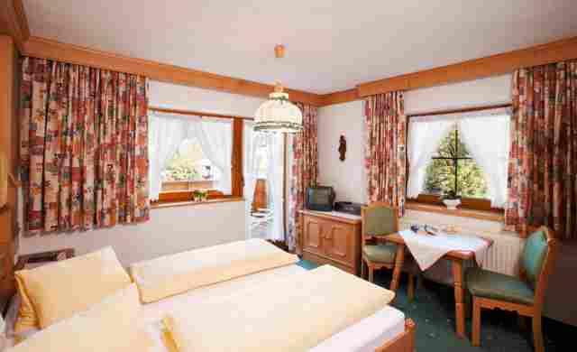 0002-07-Gasthof-Bären-Doppelzimmer-neu