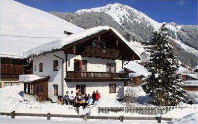 0004-02 Rehhaus Winteransicht