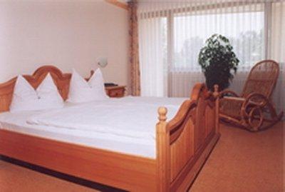 0117-04 Hotel Bergfried Zimmer
