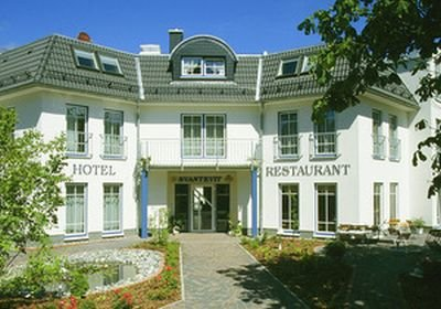 0128-01 Hotel Svantevit Eingang